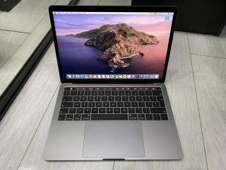"Apple MacBook Pro Retina 13.3"" 2019 256GB SSD 16GB Ram 2.8GHz Core i7 Touch Bar"