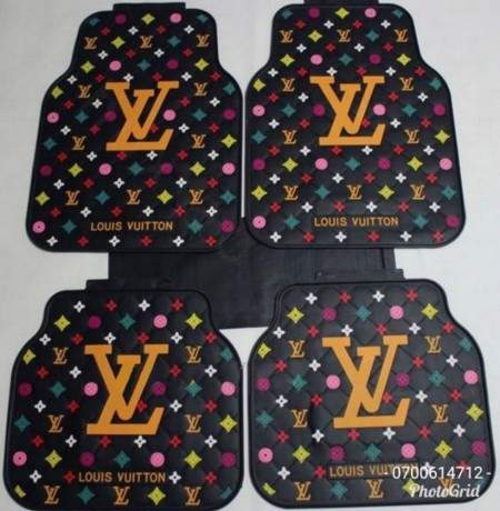 gucci-louis-vuitto-and-versace-branded-heavy-duty-full-rubber-car-floor-mats-5pcs-set-big-2